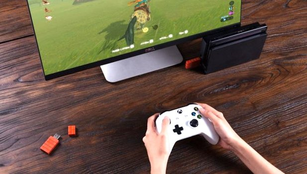 Nintendo Switch: Dank Adapter funktioniert nun der Xbox One X/S-Controller.