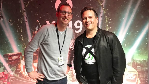 Tobi traf in London Phil Spencer zum Interview.